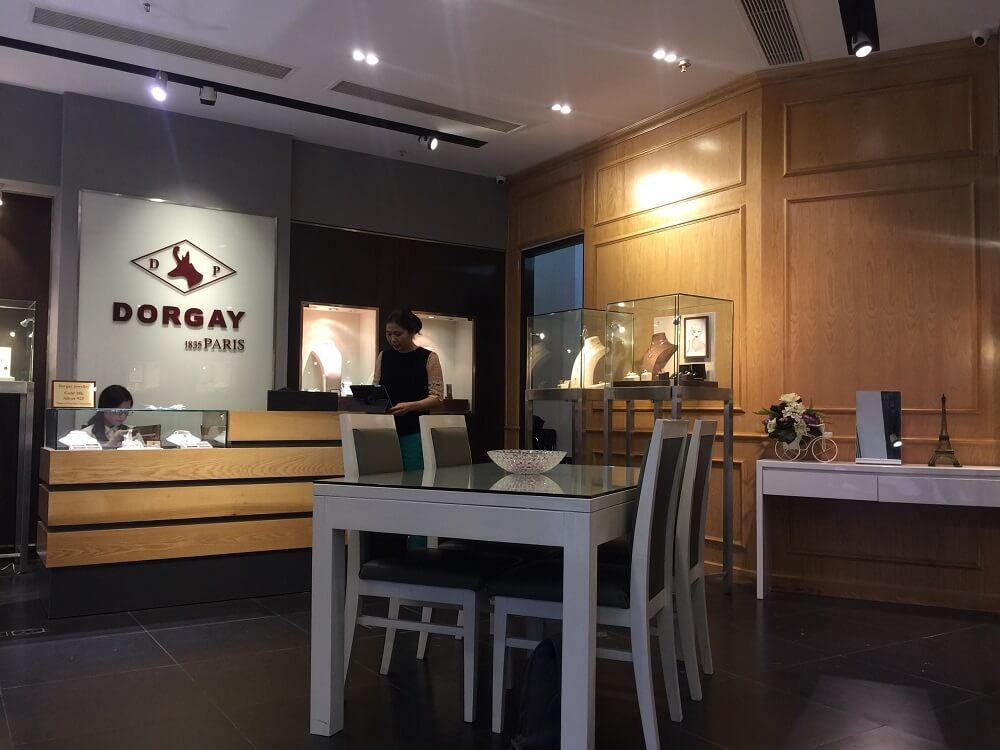 Dorgay Paris Boutique 6