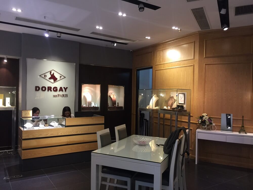 Dorgay Paris Boutique 9